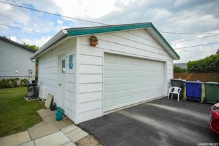 Photo 3: 300 Carson Street in Dundurn: Residential for sale : MLS®# SK863993