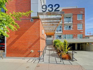 Photo 2: 201 932 Johnson St in Victoria: Vi Downtown Condo for sale : MLS®# 844483