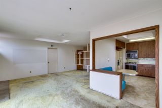 Photo 7: CLAIREMONT House for sale : 3 bedrooms : 3262 Via Bartolo in San Diego