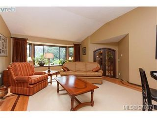 Photo 4: 686 Cromarty Ave in NORTH SAANICH: NS Ardmore House for sale (North Saanich)  : MLS®# 754969