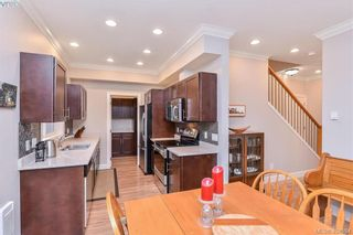 Photo 7: 680 Strandlund Ave in VICTORIA: La Mill Hill Row/Townhouse for sale (Langford)  : MLS®# 803440