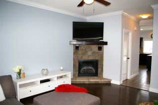 """Photo 4: 22 6498 SOUTHDOWNE Place in Sardis: Sardis East Vedder Rd Townhouse for sale in """"VILLAGE GREEN"""" : MLS®# R2308584"""