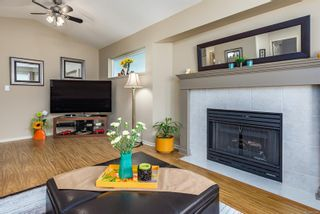 Photo 10: 3 2010 20th St in : CV Courtenay City Row/Townhouse for sale (Comox Valley)  : MLS®# 872186