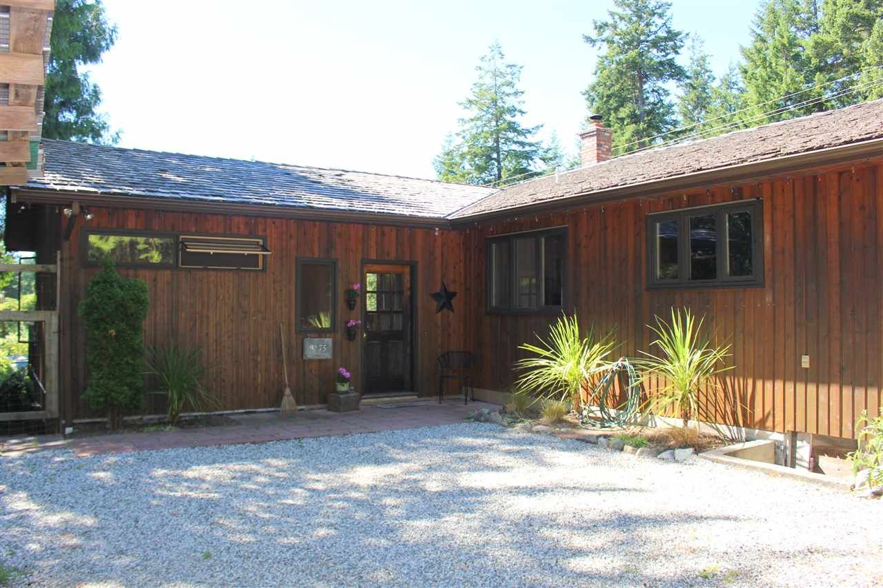 """Main Photo: 8175 WESTWOOD Road in Halfmoon Bay: Halfmn Bay Secret Cv Redroofs House for sale in """"WELCOME WOODS"""" (Sunshine Coast)  : MLS®# R2180391"""