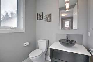 Photo 14: 622 20 Avenue NW in Calgary: Mount Pleasant Semi Detached for sale : MLS®# A1120520