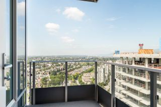 """Photo 19: 3202 5515 BOUNDARY Road in Vancouver: Collingwood VE Condo for sale in """"Wall Centre Central Park"""" (Vancouver East)  : MLS®# R2208071"""