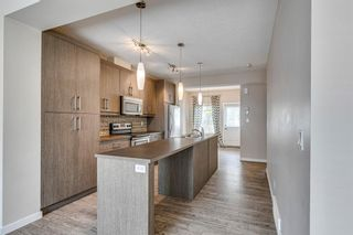 Photo 8: 227 Marquis Lane SE in Calgary: Mahogany Row/Townhouse for sale : MLS®# A1130377