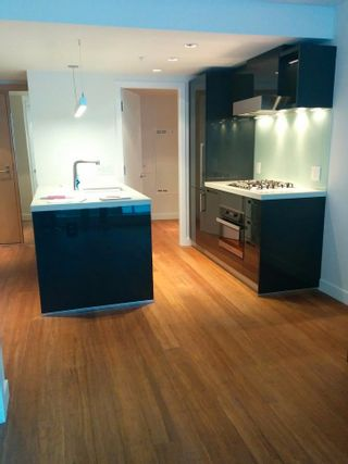 """Photo 3: 802 777 RICHARDS Street in Vancouver: Downtown VW Condo for sale in """"Telus Gardens"""" (Vancouver West)  : MLS®# R2597120"""