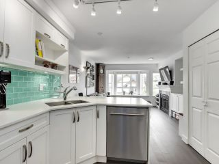 """Photo 2: 210 2545 W BROADWAY Avenue in Vancouver: Kitsilano Townhouse for sale in """"Trafalgar Mews"""" (Vancouver West)  : MLS®# R2590394"""