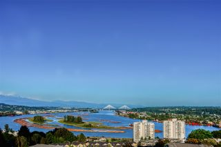 "Photo 4: 1202 280 ROSS Drive in New Westminster: Fraserview NW Condo for sale in ""The Carlyle"" : MLS®# R2396887"