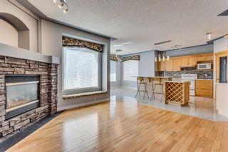 Photo 5: 132 Cresthaven Place SW in Calgary: Crestmont Detached for sale : MLS®# A1121487