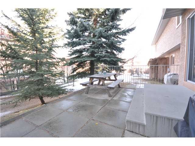 Photo 8: Photos: 27 5810 PATINA Drive SW in CALGARY: Prominence_Patterson Townhouse for sale (Calgary)  : MLS®# C3597559