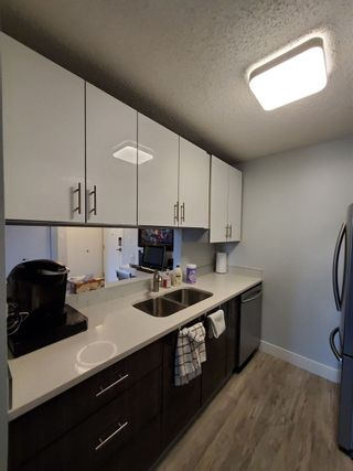 Photo 8: 325 6720 158 Avenue in Edmonton: Zone 28 Condo for sale : MLS®# E4221646