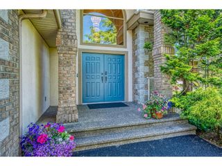 """Photo 3: 10197 170A Street in Surrey: Fraser Heights House for sale in """"ABBEY GLEN"""" (North Surrey)  : MLS®# R2594533"""