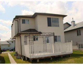 Photo 18: 135 APPLEGLEN Park SE in CALGARY: Applewood Residential Detached Single Family for sale (Calgary)  : MLS®# C3386324