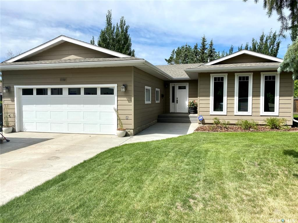 Main Photo: 11101 Dunning Crescent in North Battleford: Centennial Park Residential for sale : MLS®# SK860374
