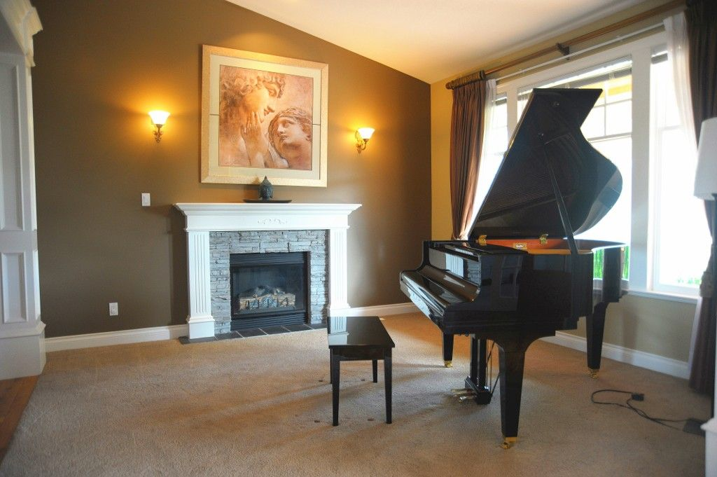 Photo 3: Photos: 3772 159A ST in Surrey: Morgan Creek House for sale (South Surrey White Rock)  : MLS®# F1409367