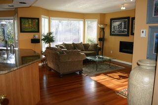Photo 11: 885 Maltwood Terr in Victoria: Residential for sale : MLS®# 286938