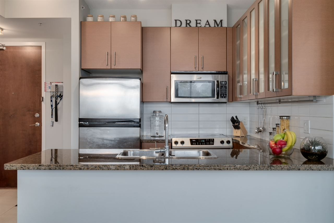 """Photo 8: Photos: 603 4250 DAWSON Street in Burnaby: Brentwood Park Condo for sale in """"OMA 2"""" (Burnaby North)  : MLS®# R2212990"""