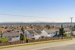 """Photo 19: 19 6588 195A Street in Surrey: Cloverdale BC Townhouse for sale in """"ZEN"""" (Cloverdale)  : MLS®# R2436457"""