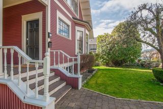 Photo 4: 311 W 14TH Street in North Vancouver: Central Lonsdale House for sale : MLS®# R2595397