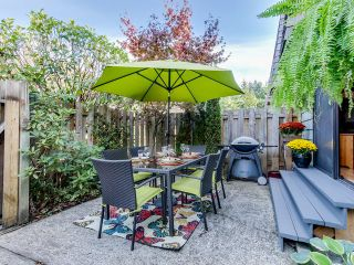 """Photo 12: 1236 PREMIER Street in NORTH VANC: Lynnmour Townhouse for sale in """"LYNNMOUR VILLAGE"""" (North Vancouver)  : MLS®# R2006636"""
