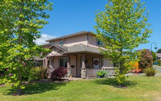 Photo 1: 758 Blackberry Rd in : SE High Quadra Row/Townhouse for sale (Saanich East)  : MLS®# 876346