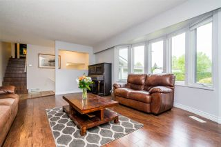 Photo 3: 19880 S WILDWOOD Crescent in Pitt Meadows: South Meadows House for sale : MLS®# R2266968