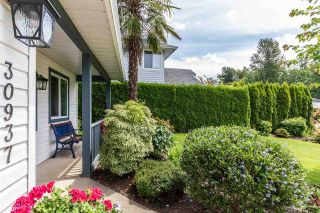 Photo 2: 30937 GARDNER Avenue in Abbotsford: Abbotsford West House for sale : MLS®# R2593655