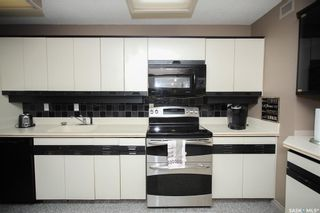 Photo 5: 604 351 Saguenay Drive in Saskatoon: River Heights SA Residential for sale : MLS®# SK859124