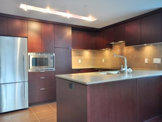 Photo 5: 1329 CIVIC PLACE MEWS in North Vancouver: Central Lonsdale Townhouse for sale : MLS®# R2114138