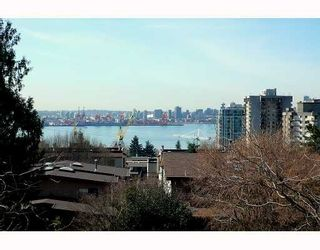 Photo 2: 222 E 5th Street in North Vancouver: Lower Lonsdale Townhouse for sale : MLS®# V759636