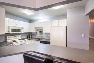 Photo 8: 54 2070 Amelia Ave in : Si Sidney North-East Row/Townhouse for sale (Sidney)  : MLS®# 886006