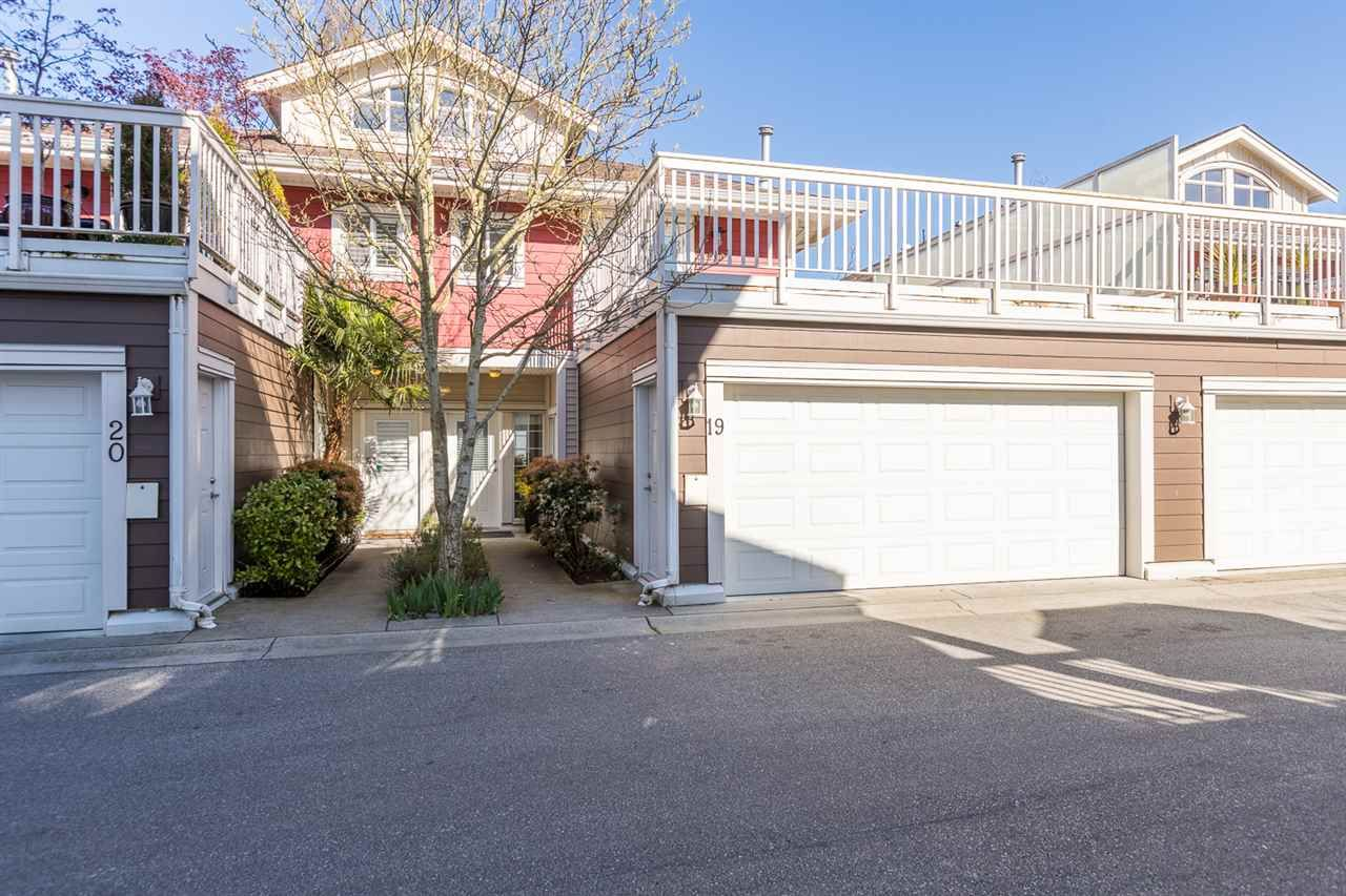Main Photo: 19 4388 BAYVIEW Street in Richmond: Steveston South Townhouse for sale : MLS®# R2568210