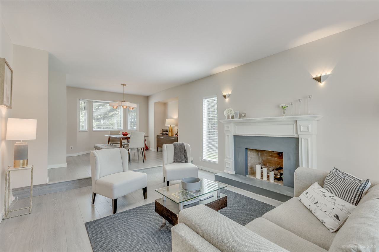 Photo 3: Photos: 10440 GLENMOOR Place in Surrey: Fraser Heights House for sale (North Surrey)  : MLS®# R2163233