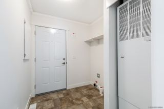 """Photo 21: 23 2303 CRANLEY Drive in Surrey: King George Corridor Manufactured Home for sale in """"Sunnyside Estates"""" (South Surrey White Rock)  : MLS®# R2550516"""