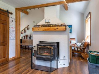 Photo 6: 5581 Seacliff Rd in COURTENAY: CV Courtenay North House for sale (Comox Valley)  : MLS®# 837166