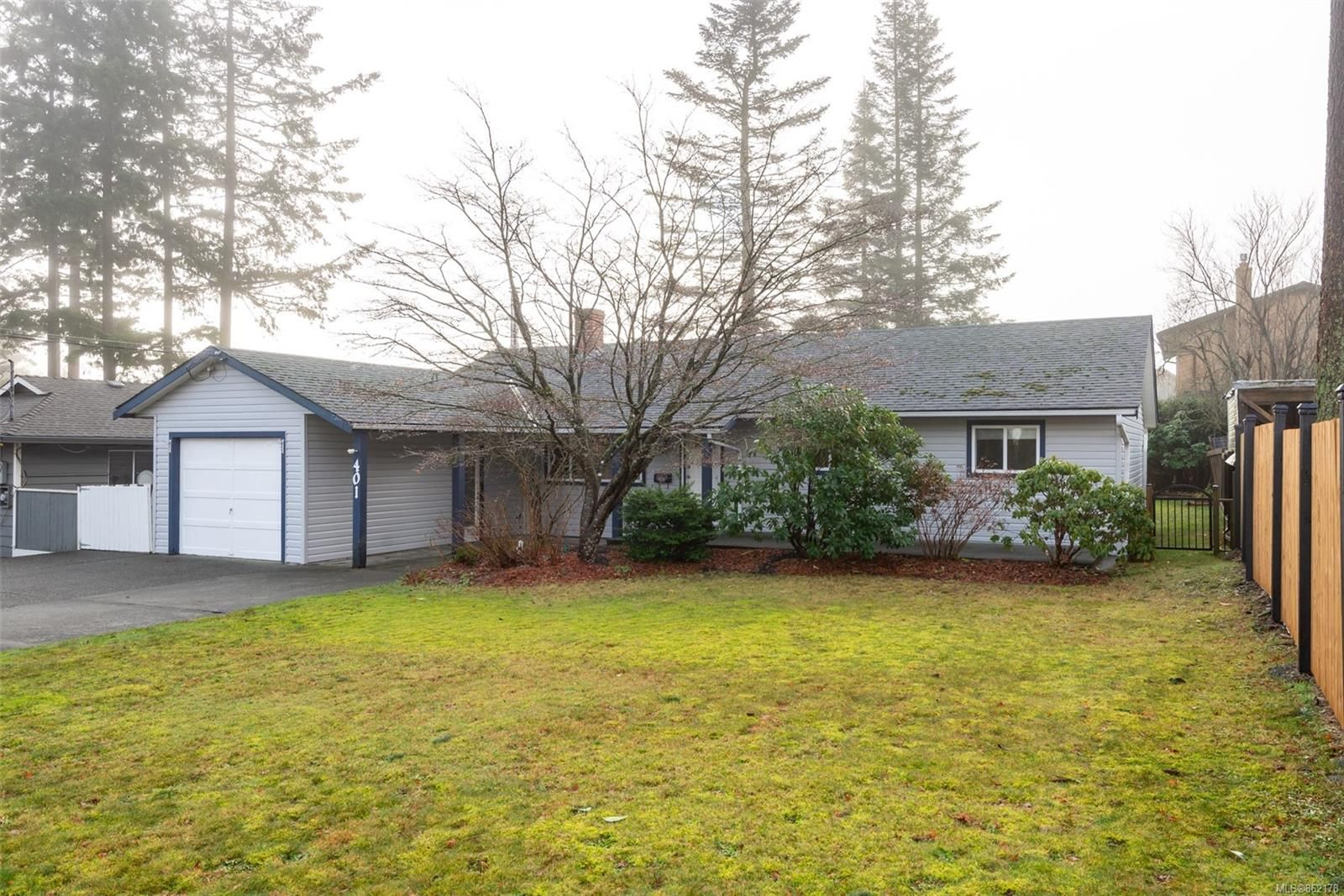 Main Photo: 401 Merecroft Rd in : CR Campbell River Central House for sale (Campbell River)  : MLS®# 862178