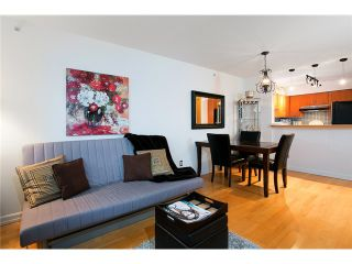 """Photo 4: 407 2181 W 12TH Avenue in Vancouver: Kitsilano Condo for sale in """"THE CARLINGS"""" (Vancouver West)  : MLS®# V987441"""