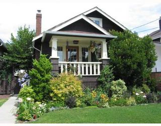 """Photo 1: 913 10TH Street in New_Westminster: Moody Park House for sale in """"MOODY PARK"""" (New Westminster)  : MLS®# V764673"""