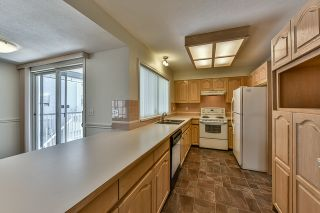 """Photo 7: 46 16363 85 Avenue in Surrey: Fleetwood Tynehead Townhouse for sale in """"SOMERSET"""" : MLS®# R2035327"""