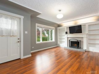 Photo 4: 206 W 23RD Street in North Vancouver: Central Lonsdale House for sale : MLS®# R2605422