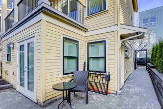 "Photo 2: 435 VERNON Drive in Vancouver: Mount Pleasant VE Townhouse for sale in ""STRATHCONA"" (Vancouver East)  : MLS®# R2225005"