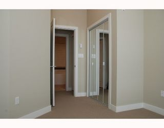 Photo 8: 404 2353 MARPOLE Ave in Port Coquitlam: Central Pt Coquitlam Home for sale ()  : MLS®# V661481