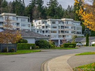 Photo 1: 102 5110 Cordova Bay Rd in VICTORIA: SE Cordova Bay Condo for sale (Saanich East)  : MLS®# 746274