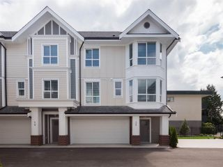 Photo 4: 17 20723 FRASER Highway in Langley: Langley City Townhouse for sale : MLS®# R2377554