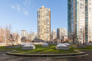 """Photo 19: 2401 1238 RICHARDS Street in Vancouver: Yaletown Condo for sale in """"METROPOLIS"""" (Vancouver West)  : MLS®# R2249261"""