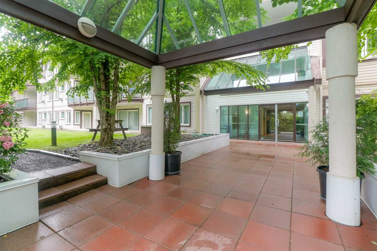 Main Photo: 211 7139 18TH AVENUE in Burnaby: Edmonds BE Condo for sale (Burnaby East)  : MLS®# R2468004