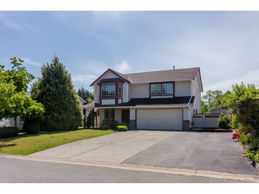 """Main Photo: 18688 56A Avenue in Surrey: Cloverdale BC House for sale in """"Fairway Estates"""" (Cloverdale)  : MLS®# R2078408"""