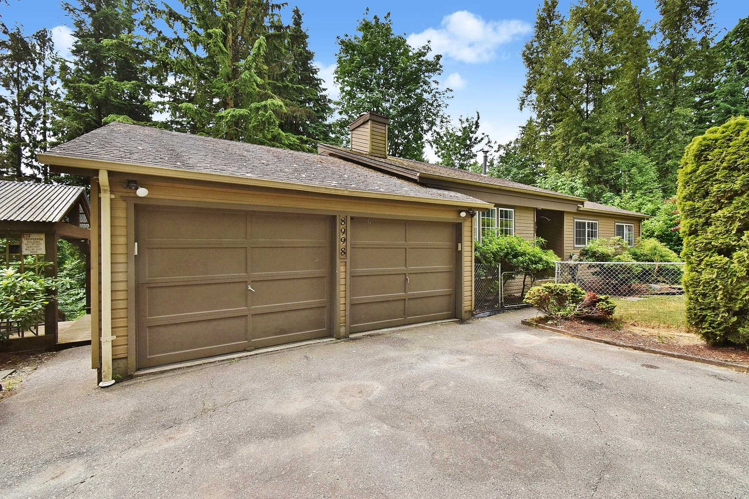 Main Photo: 8998 EMIRY Street in Mission: Mission BC House for sale : MLS®# R2625118